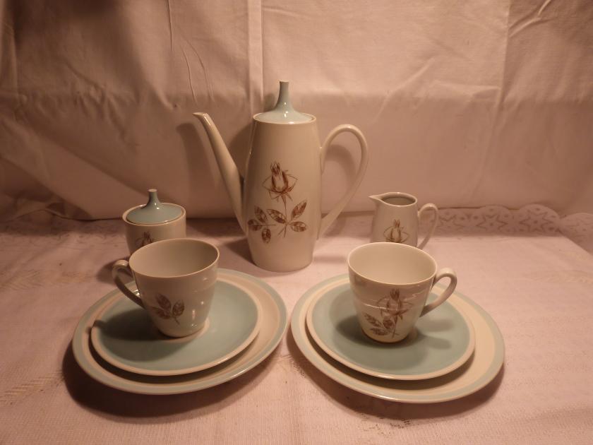 Graf von Henneberg Ilmenau Viktoria Weiß Goldrand Perlrand Kaffee Tee Tasse