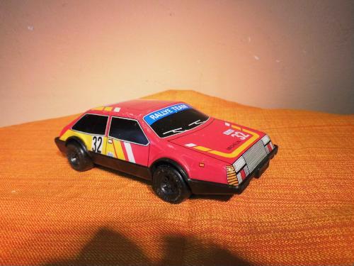 DDR Spielzeug - Auto, Friktionsmotor, Blech Plastik, Rallye Team / Sammler bei Hood.de